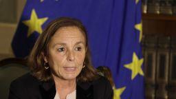Вътрешната министърка на Италия отхвърли да носи вина за нападателя в Ница