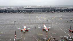 Кризата в авиоиндустрията се задълбочава