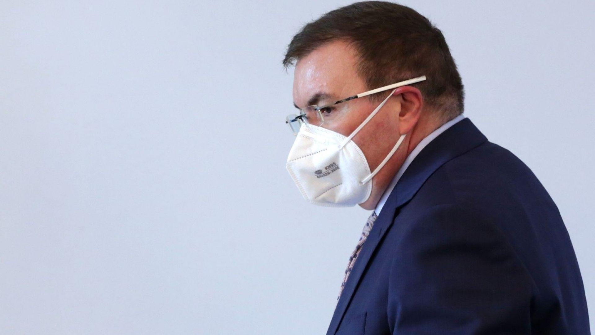 Здравният министър: С Борисов се чуваме в 3 през нощта, обсъждаме различни проблеми