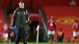 Кийн и Невил разкъсаха от критики Юнайтед, Погба призна безумната си грешка