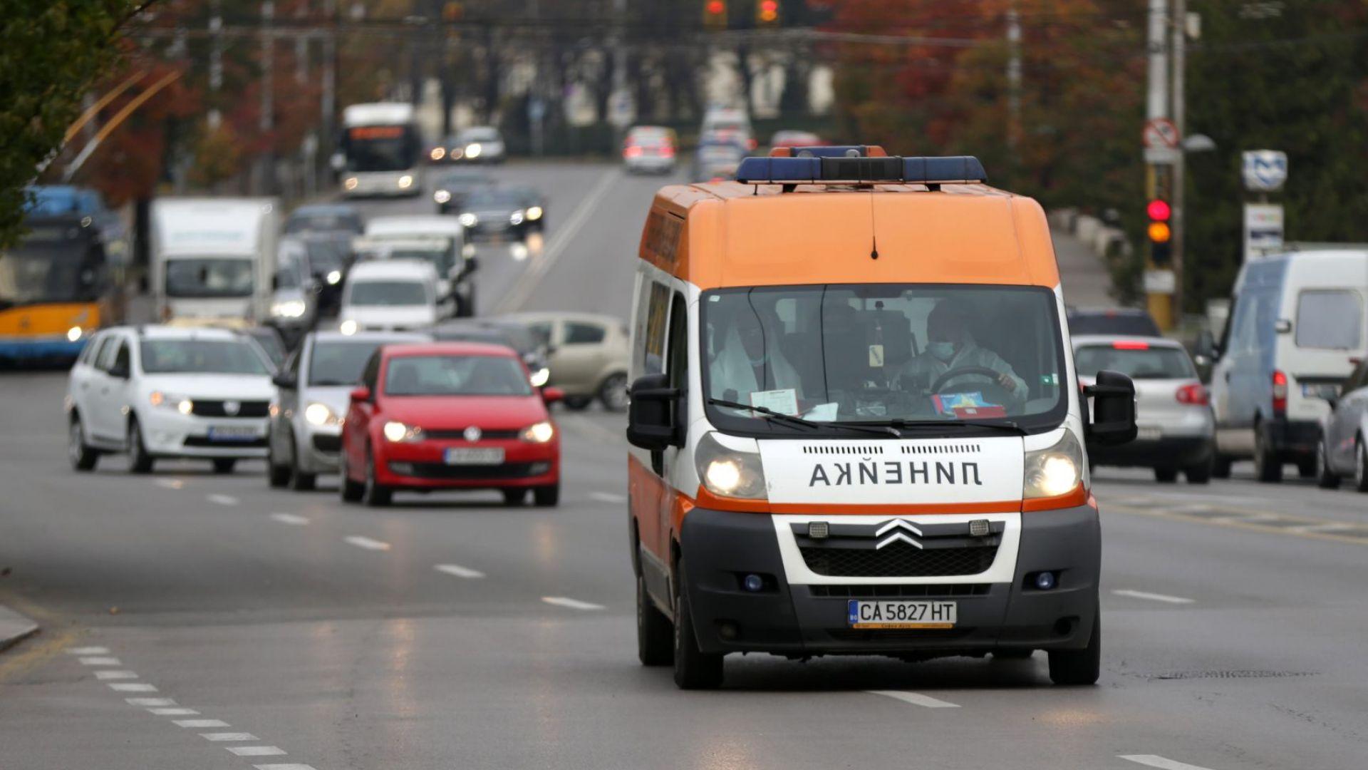 Шофьор блъсна мъж на пешеходна пътека във Владая