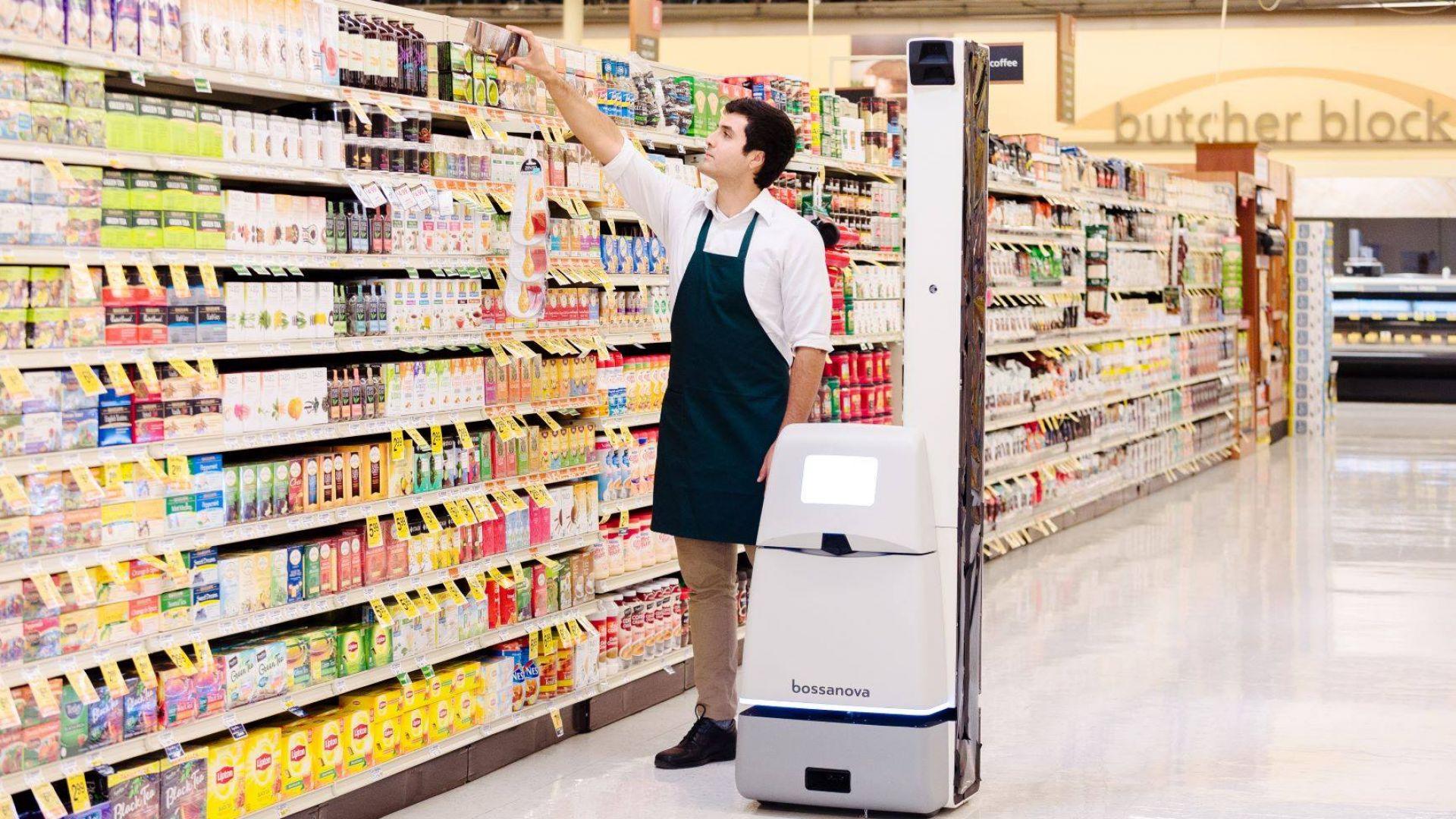 Walmart заменя роботите с хора