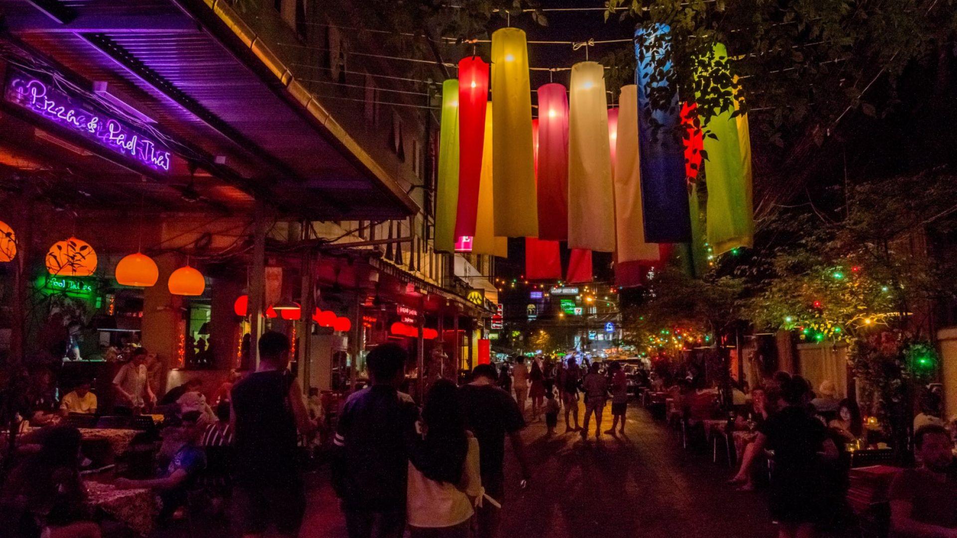 Као Сан е легендарната парти улица в Банкок