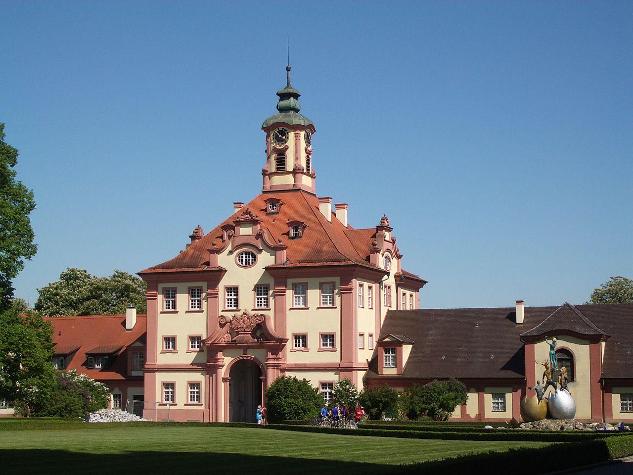 """Очаква се деня и часа на опелото му в родовия на Вюртембергските Херцози замък """"Алтсхаузен"""", край Равенсбург"""