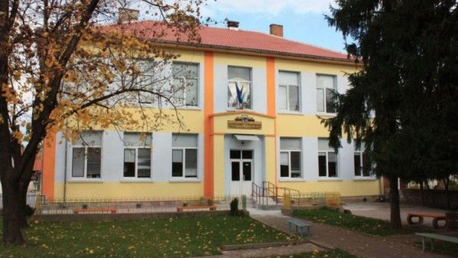 Ръст на заразените в Русе: Второ училище затвори врати