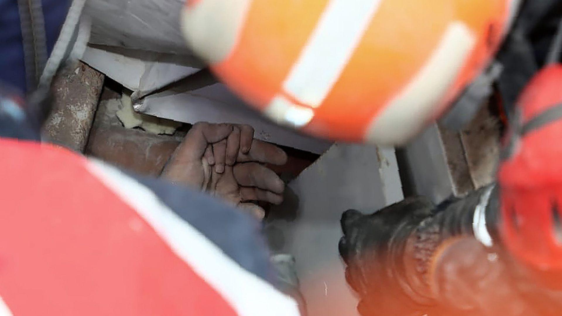 Край на спасителните дейности в Измир, 114 жертви и 1027 ранени (снимки, видео)