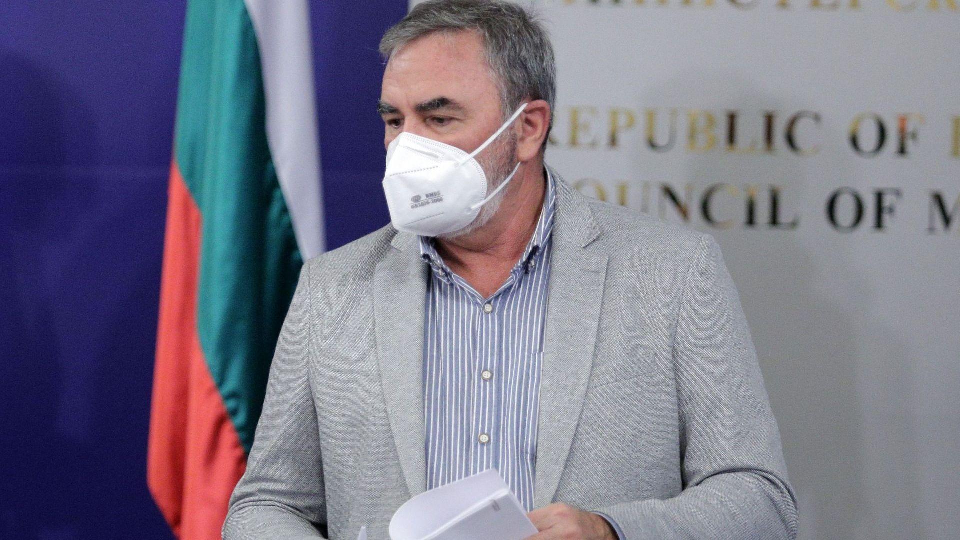 Кунчев: Ваксинираните задължително трябва да продължат да се пазят