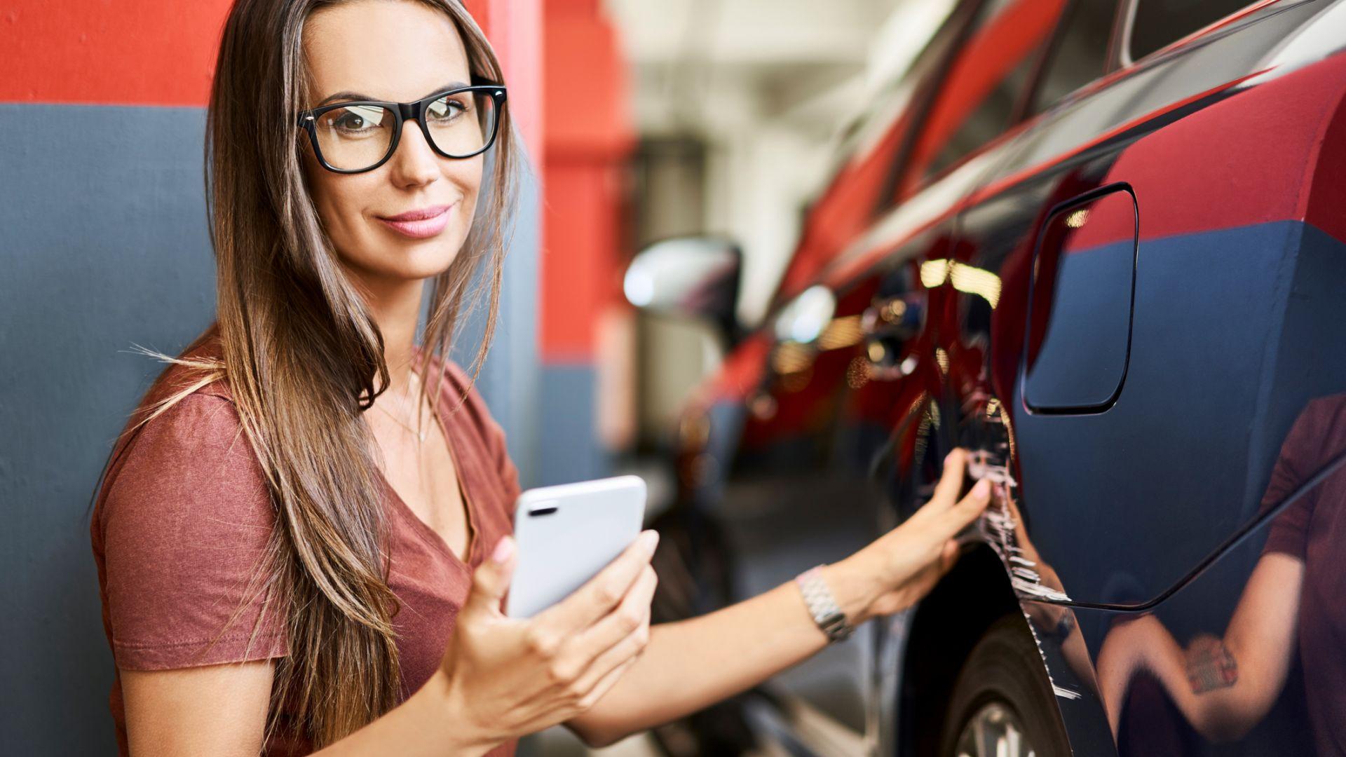 Мобилното приложение на Лев Инс е изключително лесно за употреба