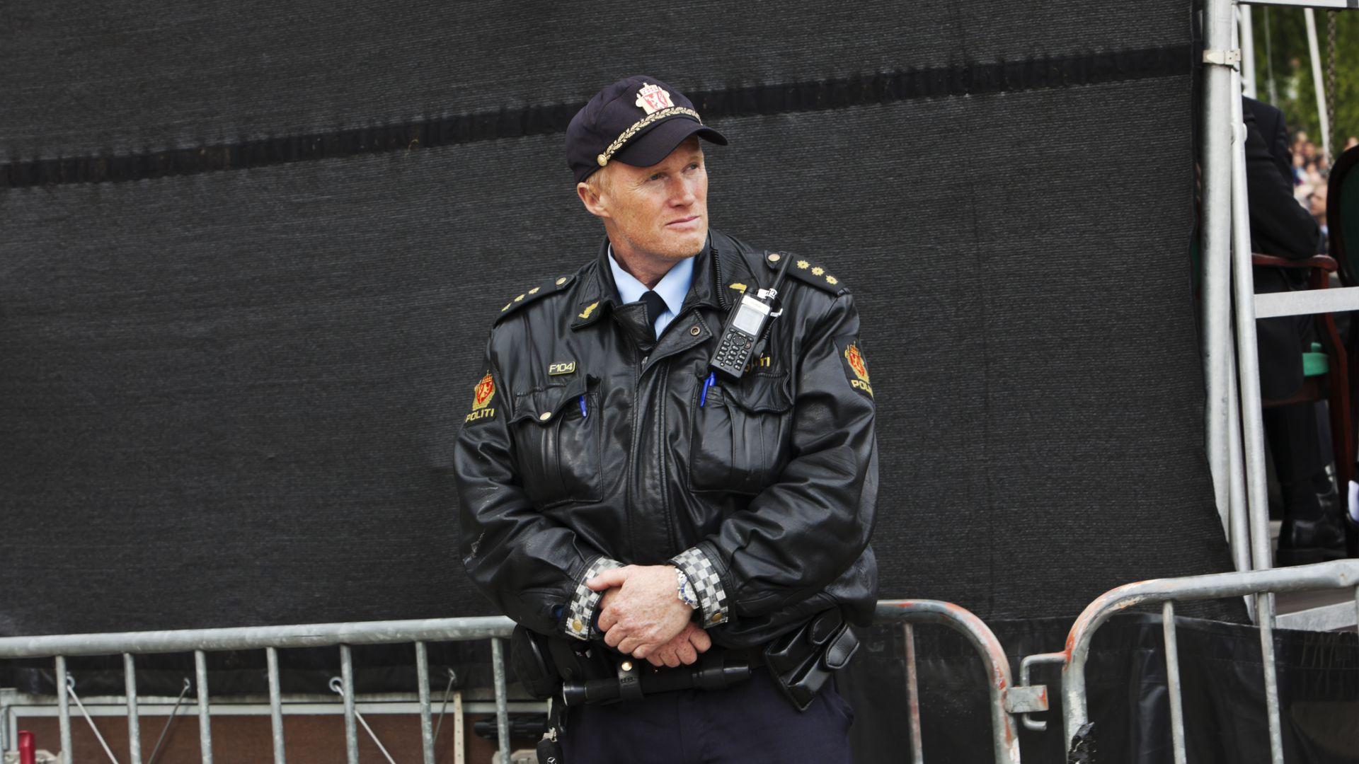 В Норвегия разрешиха временно на полицаите да носят оръжие заради терора в Европа