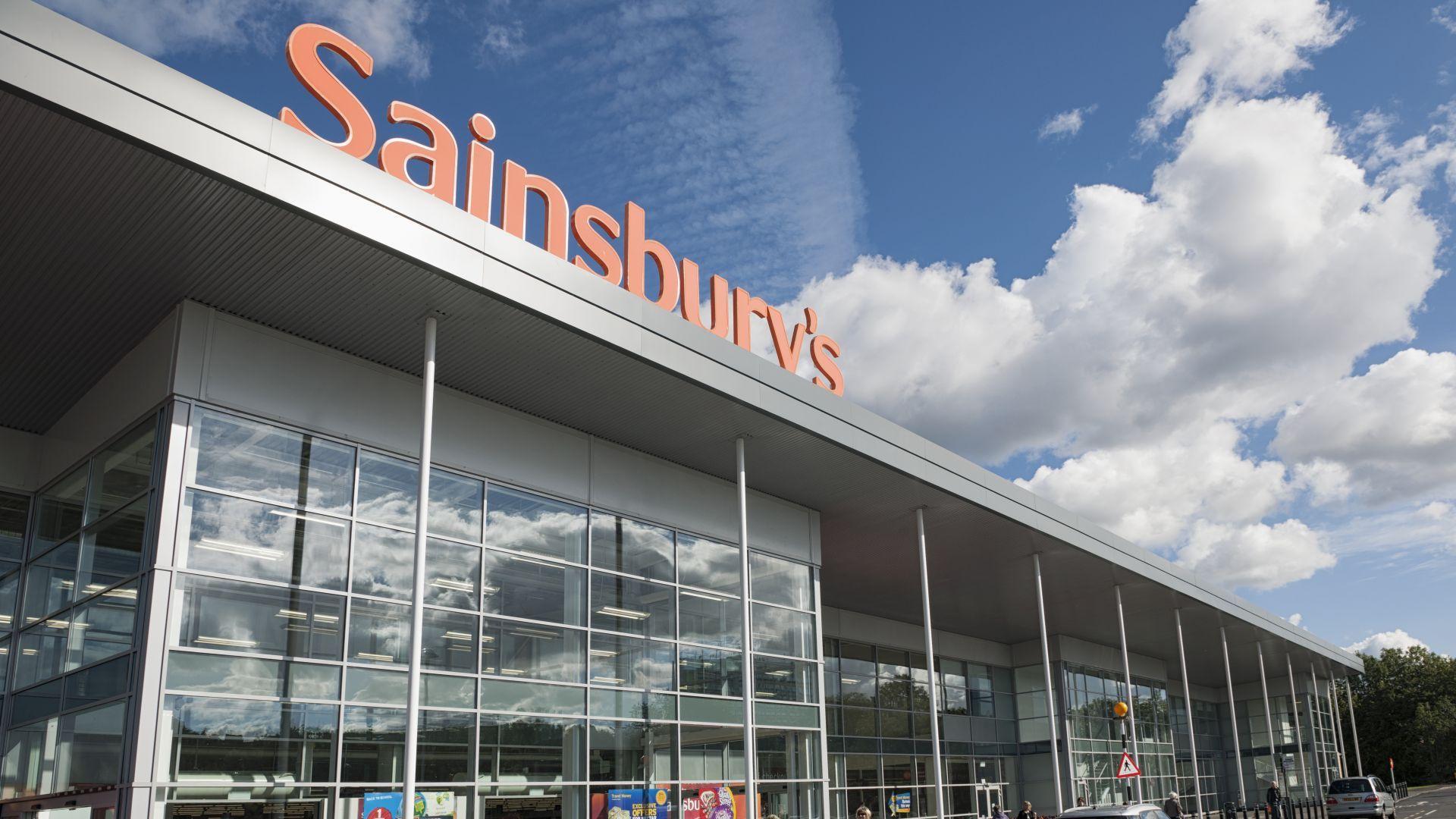 Британската верига супермаркети Сейнсбърис съкращава 3500 човека