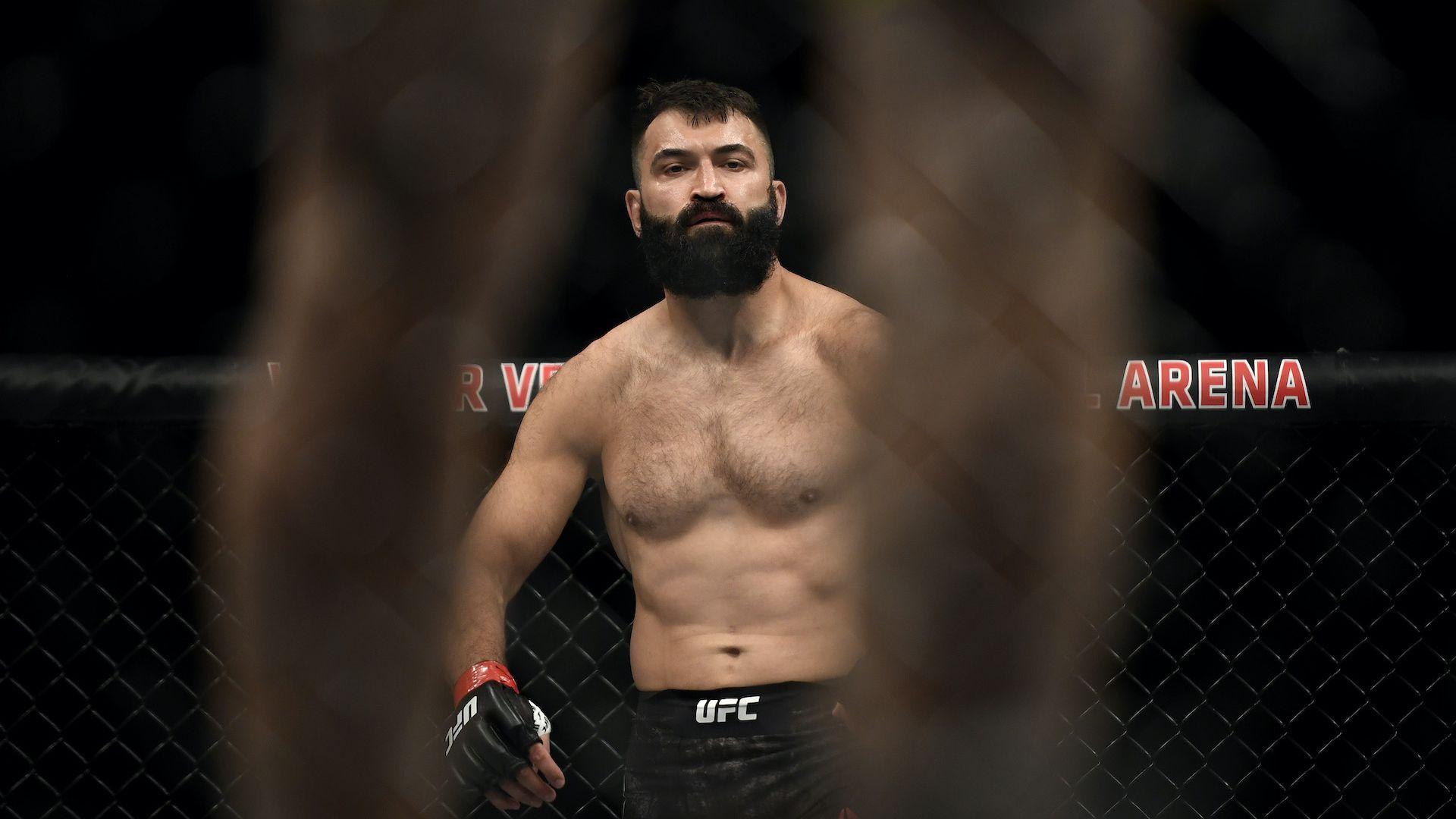 Бивш шампион от UFC призна, че залага пари на себе си, когато се бие