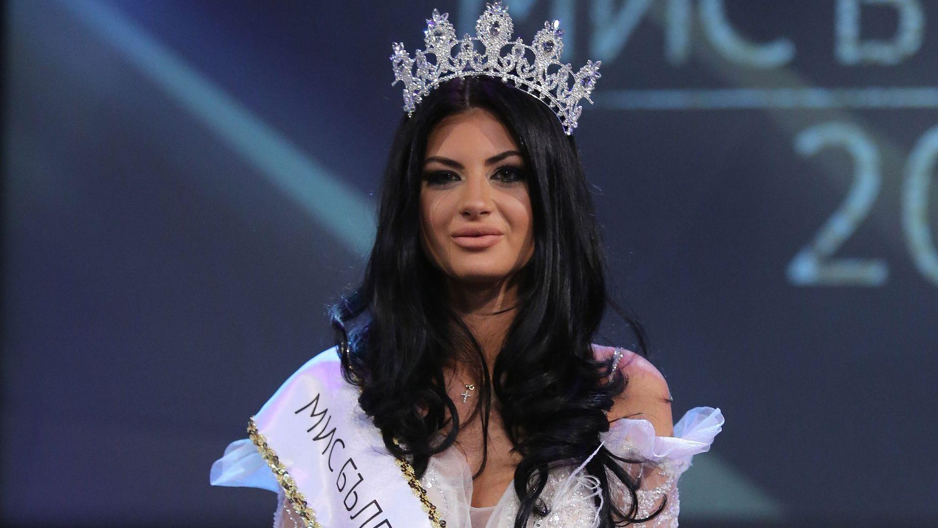 Вижте новата Мис България преди корекцията на устните