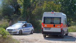 Двама загинали и трима ранени при тежка катастрофа с автобус и джип в Ботевградско