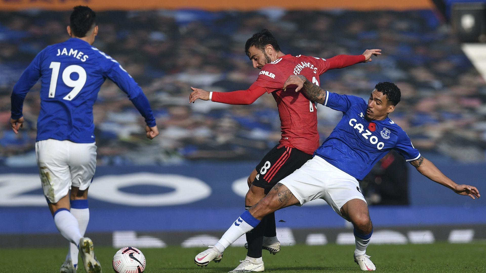 Манчестър Юнайтед показа друго лице, подобри рекорд и задълбочи проблемите на Евертън