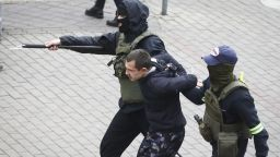 Близо 400 души арестувани при демонстрации в Беларус