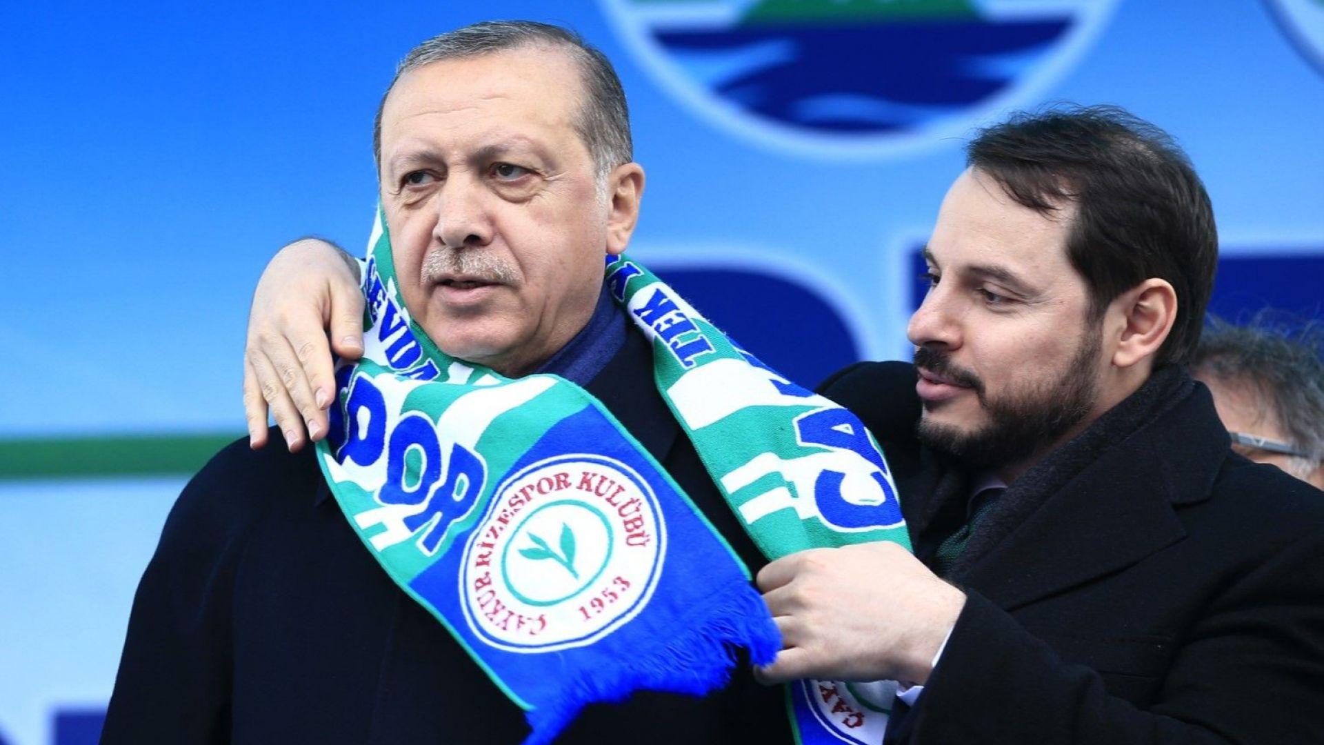 Оставка като гръм от ясно небе: Защо напусна поста Ердогановият зет