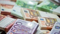 КНСБ: Достъпът до европари на работодатели, които не спазват КТД и минималното заплащане да бъде ограничен