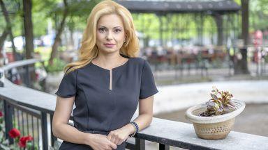 Аделина Радева замества Филипа Огнянова в централните новини