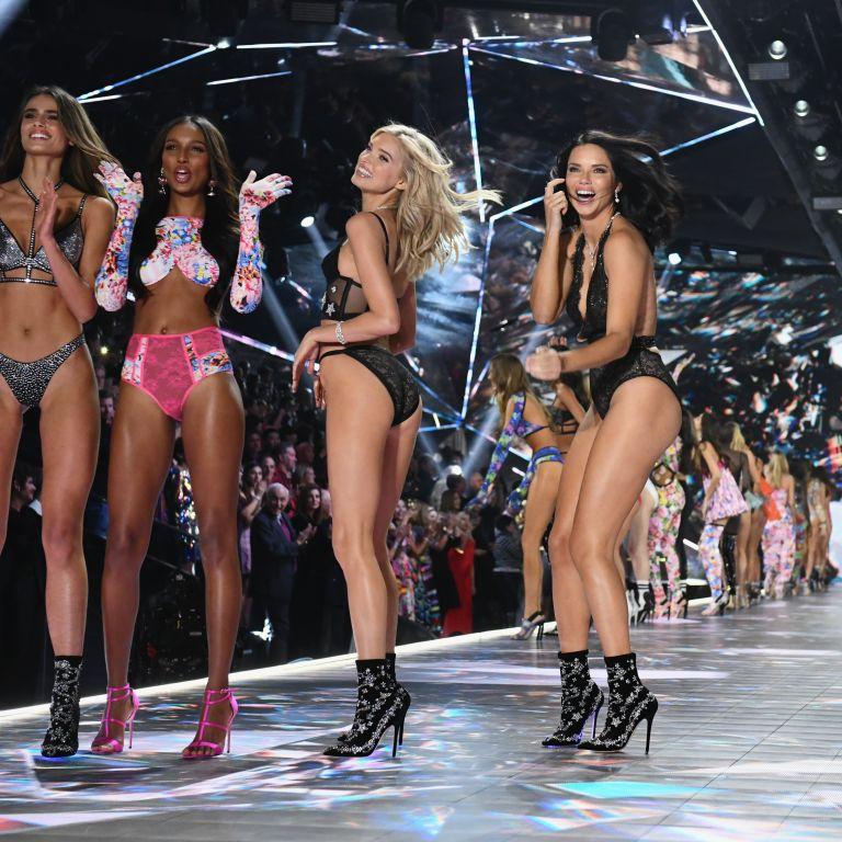 3 дни в рая на Victoria`s Secret: Вижте последни бройки дантела от дефилетата на падналите ангели