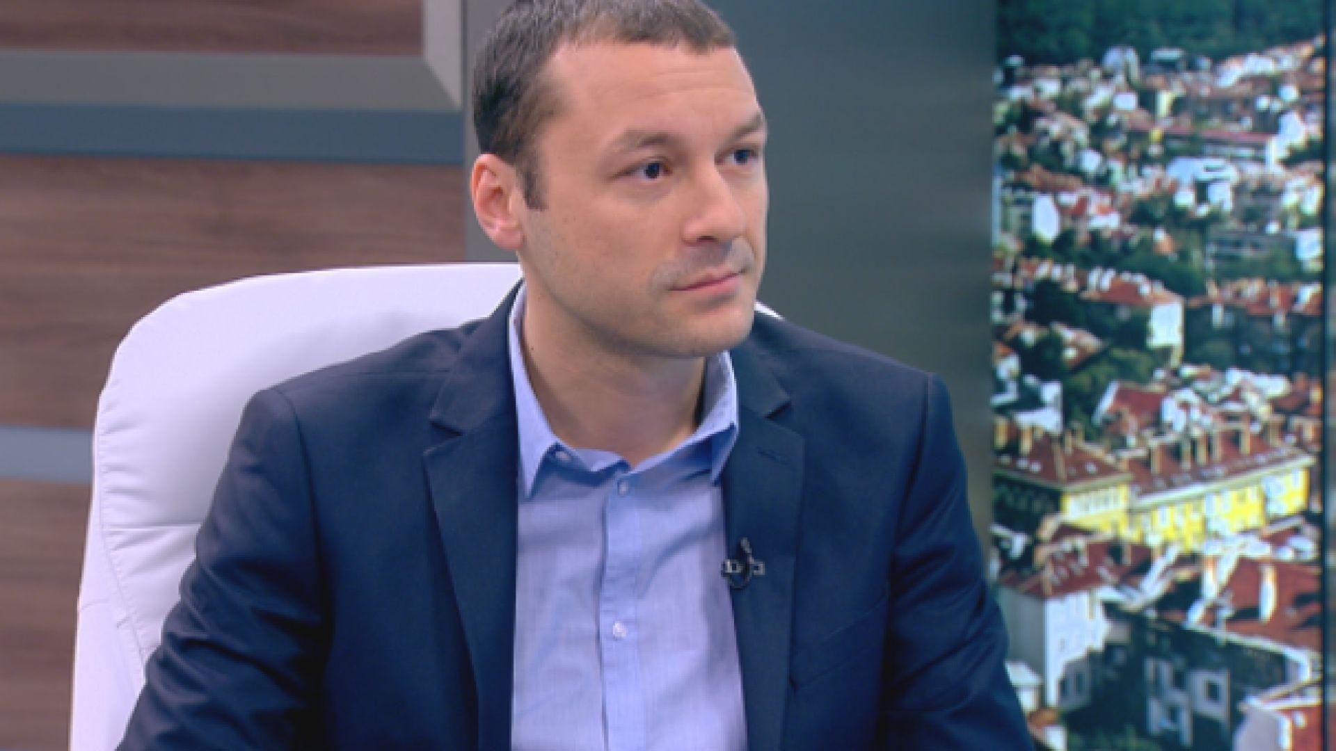 Журналистът Петър Нанев става пиар на Здравното министерство