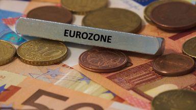 Бизнес активността в еврозоната - близо до втора рецесия