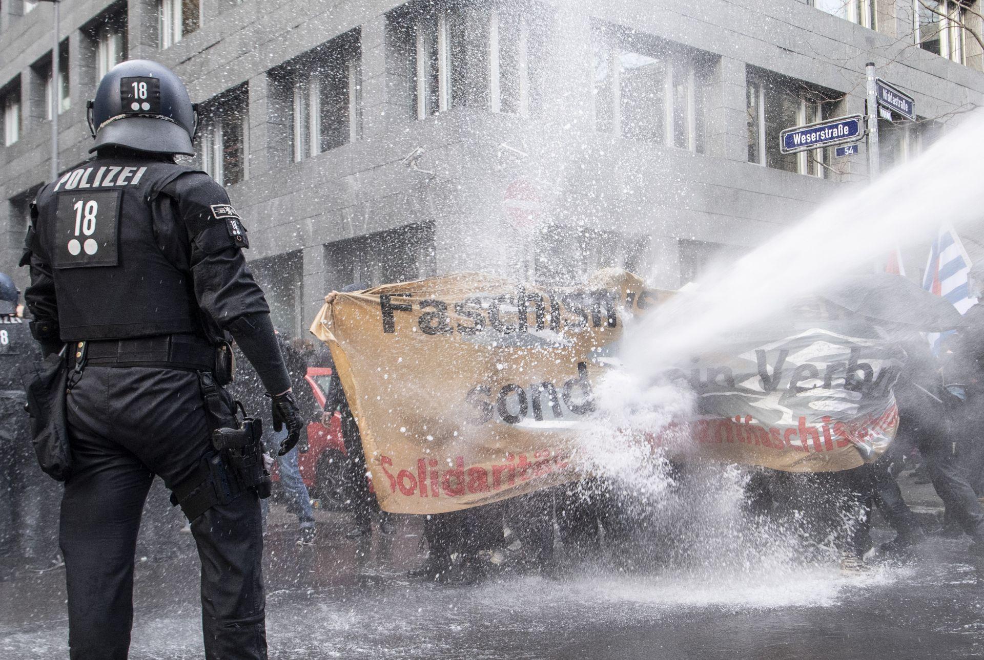 Протестите срещу ограниченията във Франкфурт
