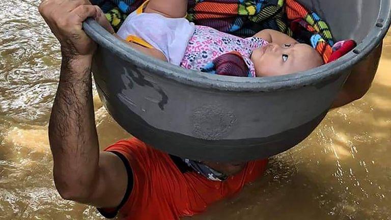 Най-смъртоносният тайфун, преминал през Филипините (снимки и видео)