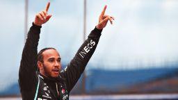 Колега на Хамилтън: 90% от пилотите не биха го победили, ако карат същата кола