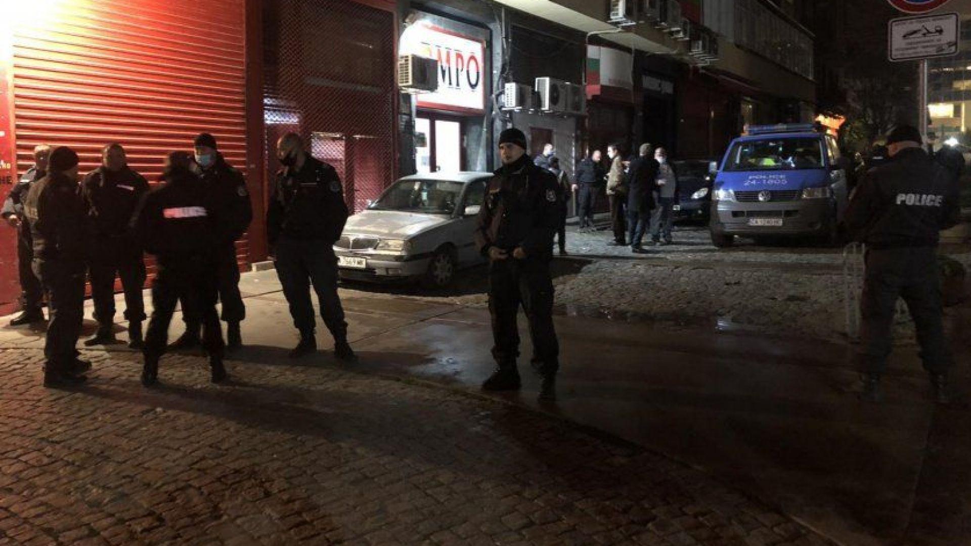 Джамбазки и Сидеров участвали в снощния екшън пред ВМРО (видео)