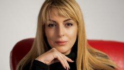 """""""Чудна лятна нощ"""" е първият роман на Яна Борисова (ОТКЪС)"""