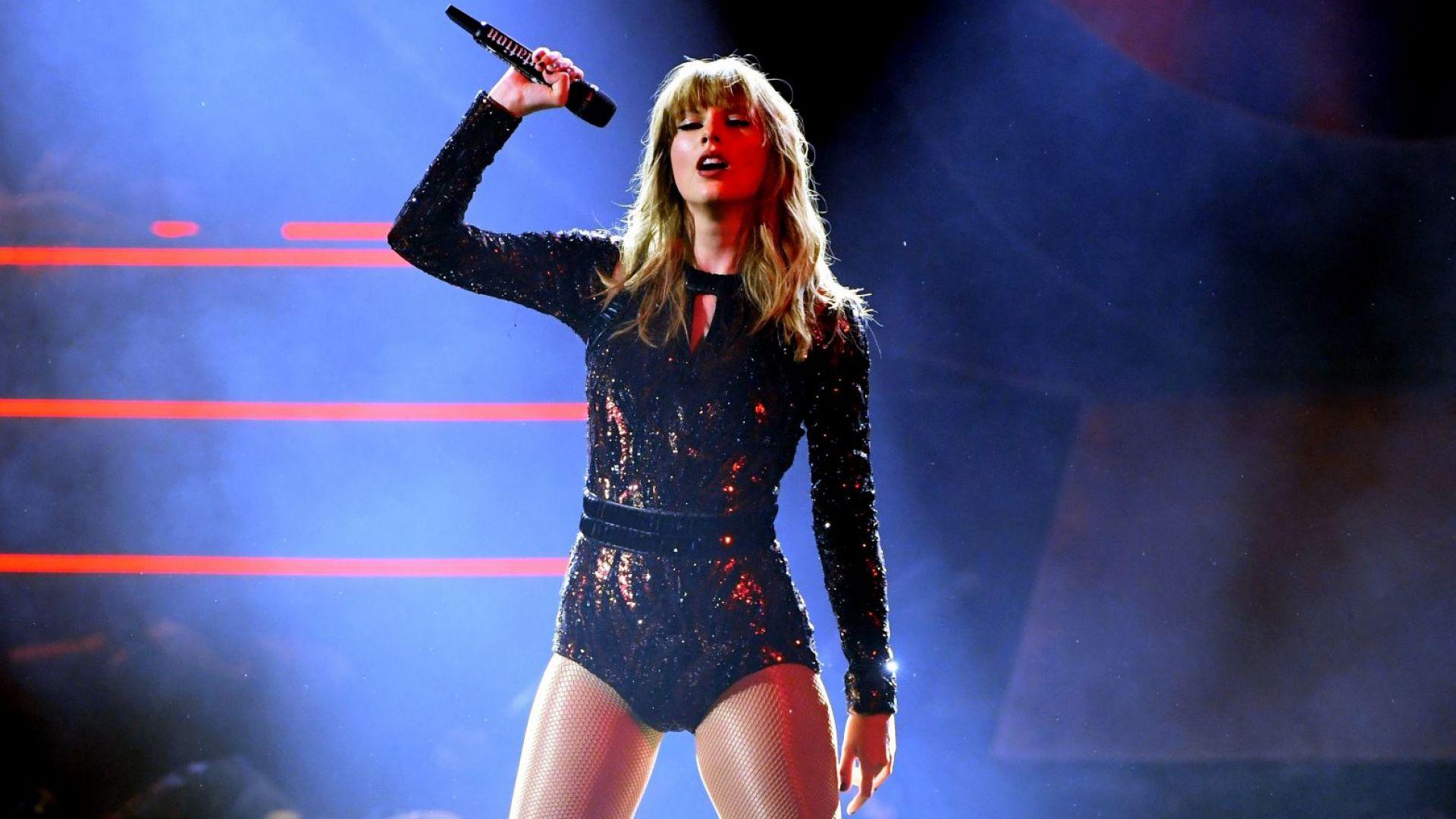 Тейлър Суифт се завърна начело в британската класация за албуми