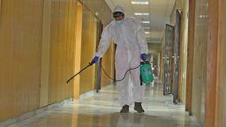 Вече има повторно заразени с коронавируса и у нас, 4-ма са медици от ВМА