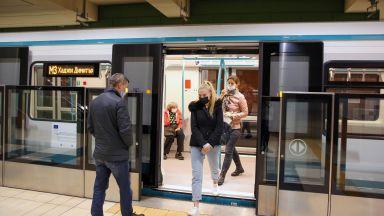 Пътниците в метрото са намалели с 28.4%