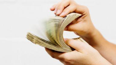 И адвокатите се обявиха срещу тавана на неустойките по бързите кредити