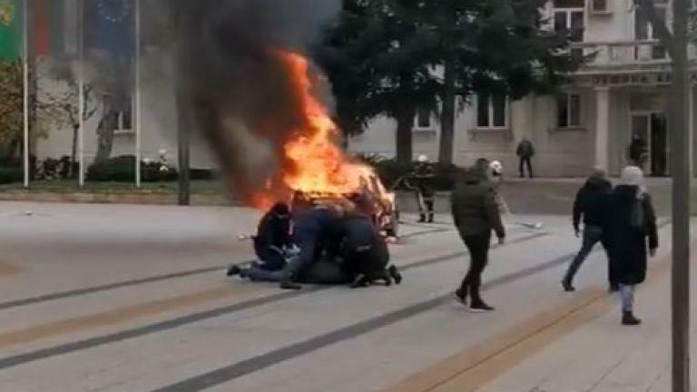 Репатриращият автомобил във Враца е предизвикал невижданата агресия, при която