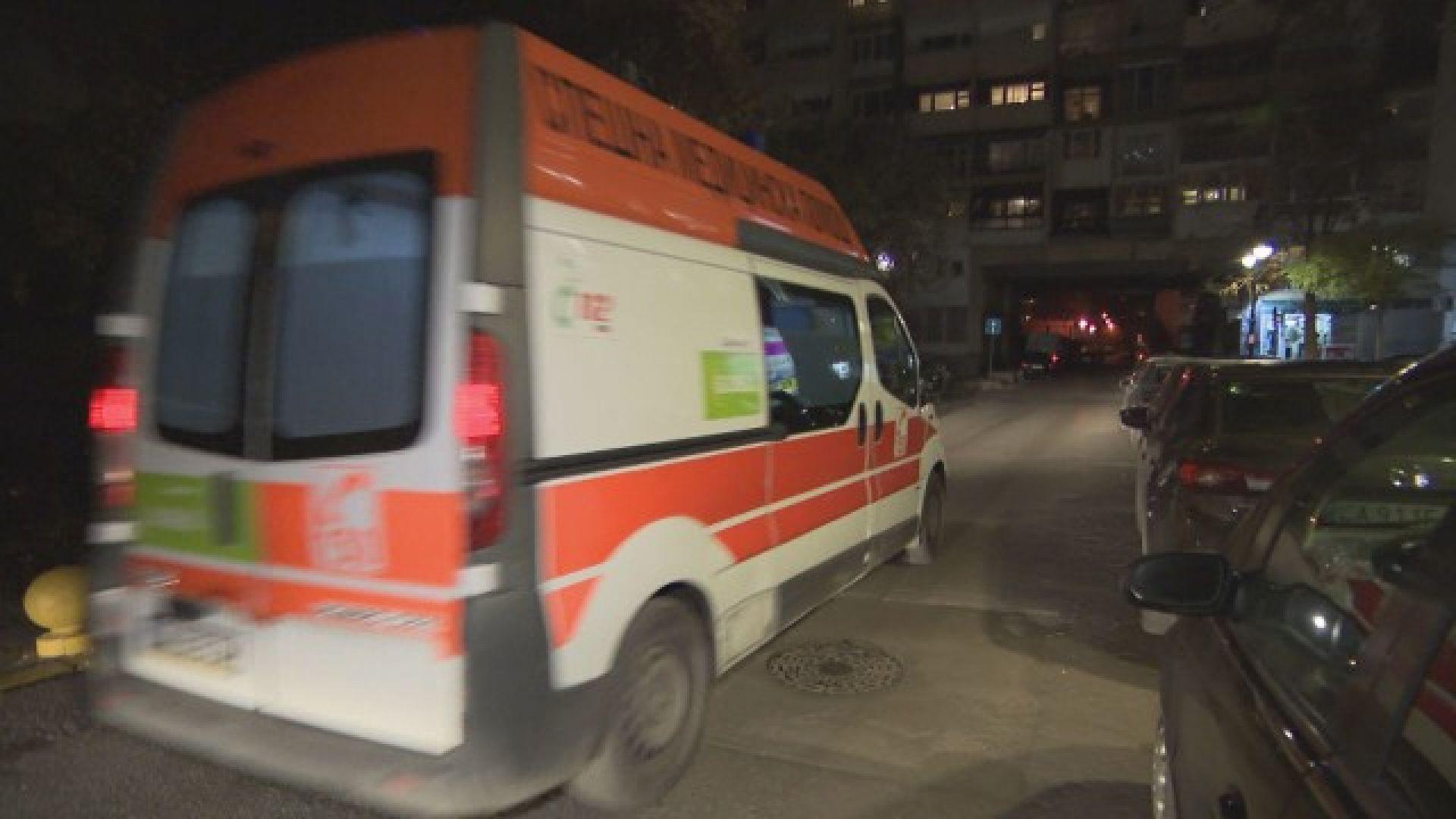 Заради недостиг на линейки в Бургас изписват пациенти с COVID-19 и през нощта