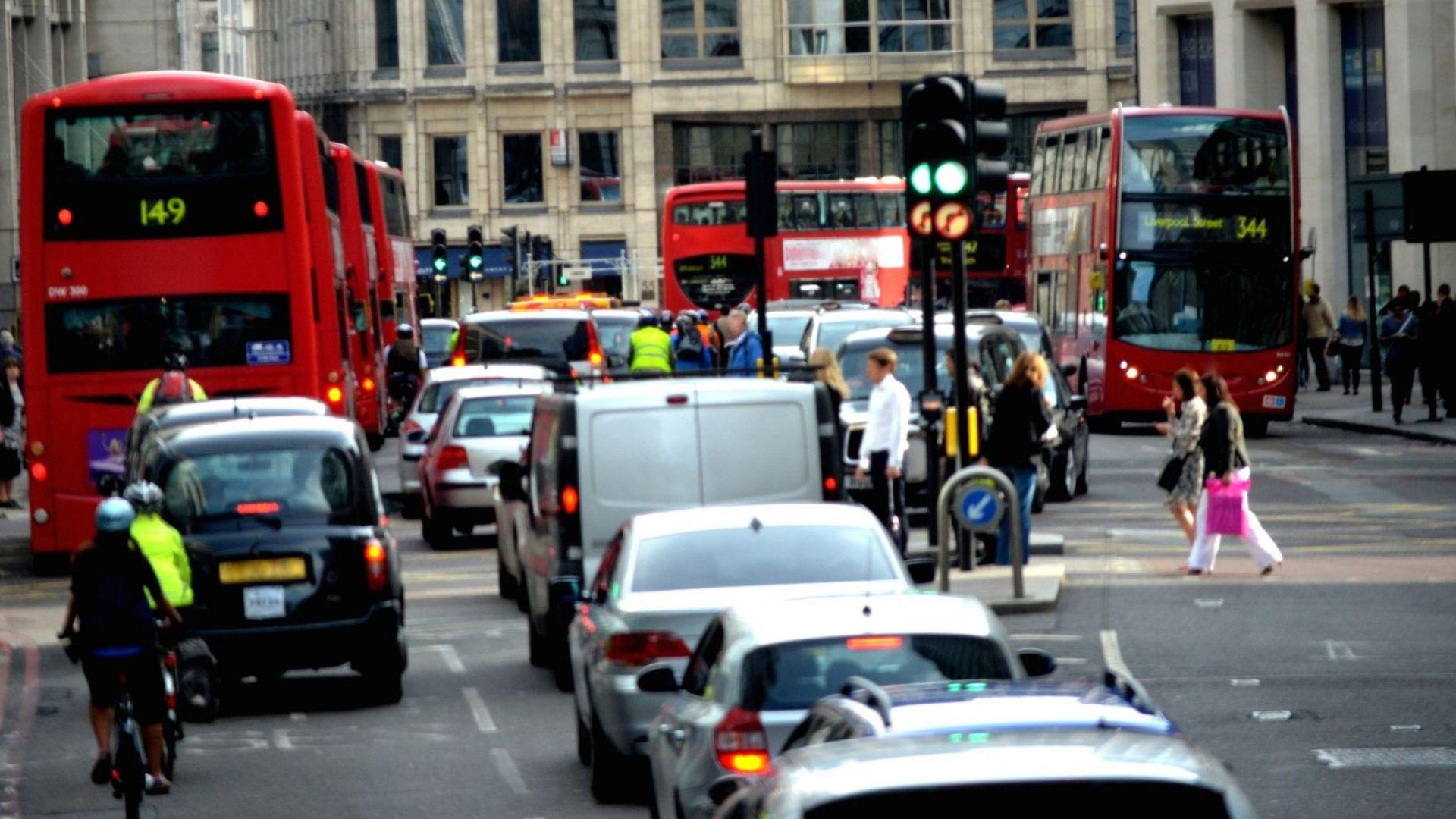 Край на шофирането с български номера в Англия