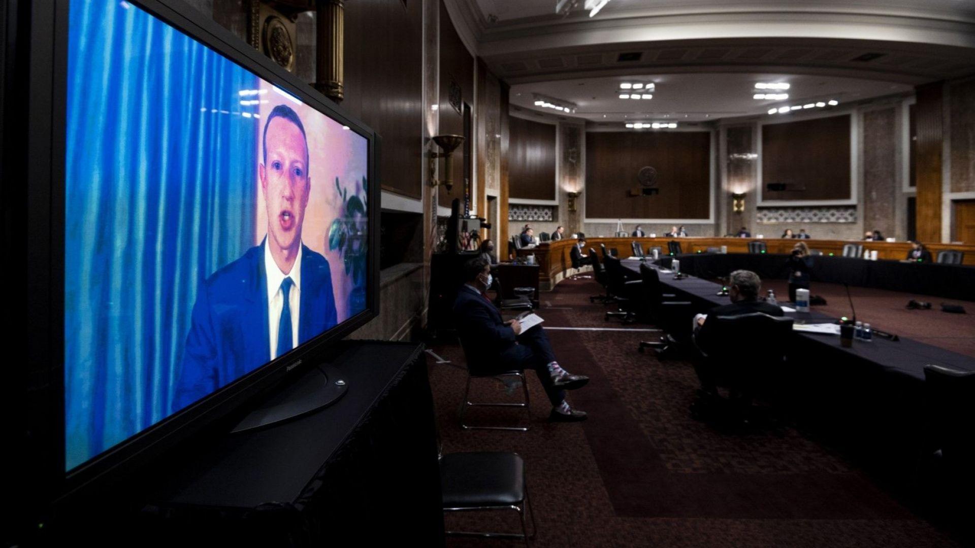Шефовете на Фейсбук и Туитър бяха подложени на разпит за изборите