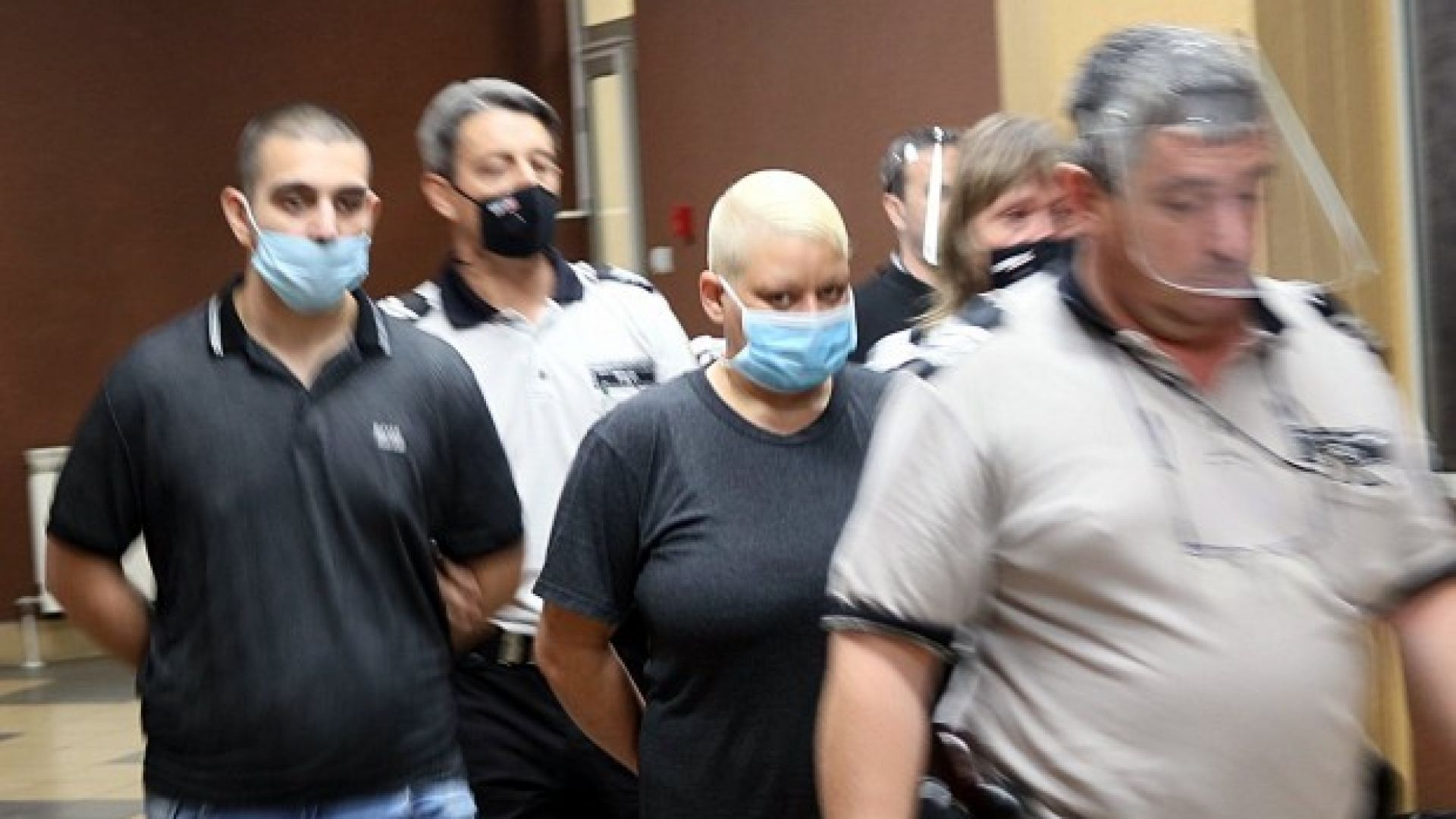 Общо 32 г. затвор за майка и син, извършили жестоко убийство в Пловдив