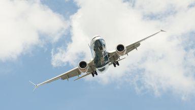 Боинг 737 МАКС кацна аварийно в САЩ заради потенциална техническа неизправност