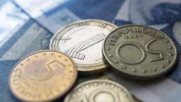 Средният осигурителен доход продължава да расте и през ноември