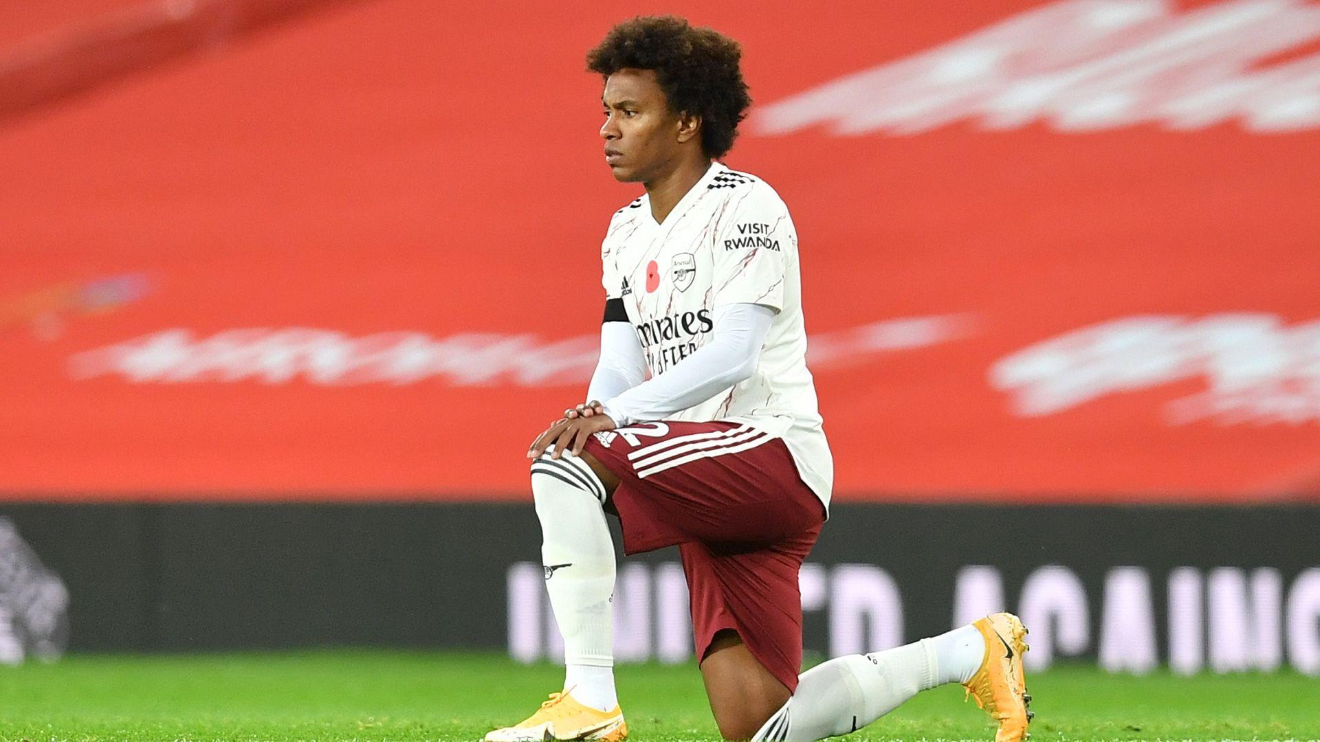 Звезда на Арсенал си навлече проблеми заради пържоли в Дубай