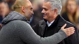 Футбол в прегръдката на двама гении