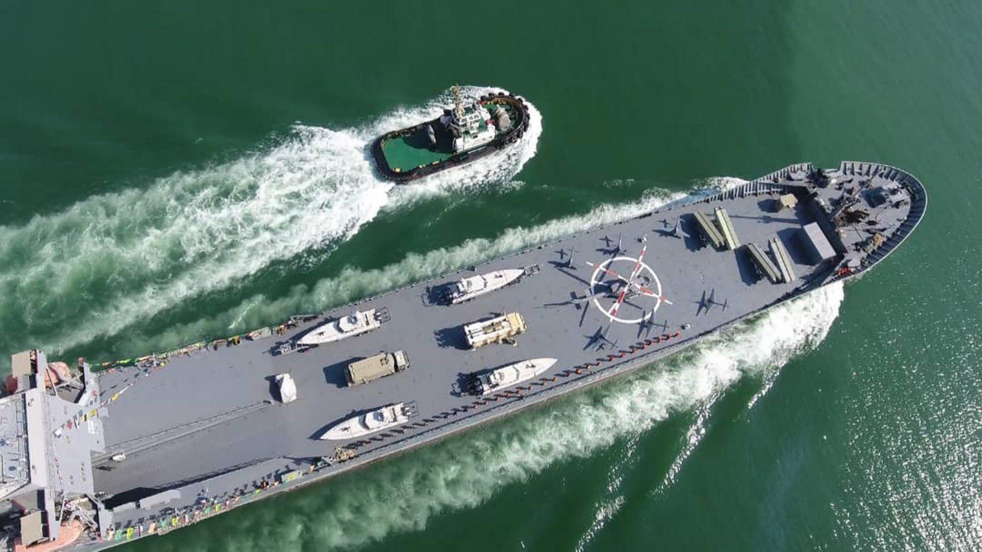 Иран представи нов боен кораб