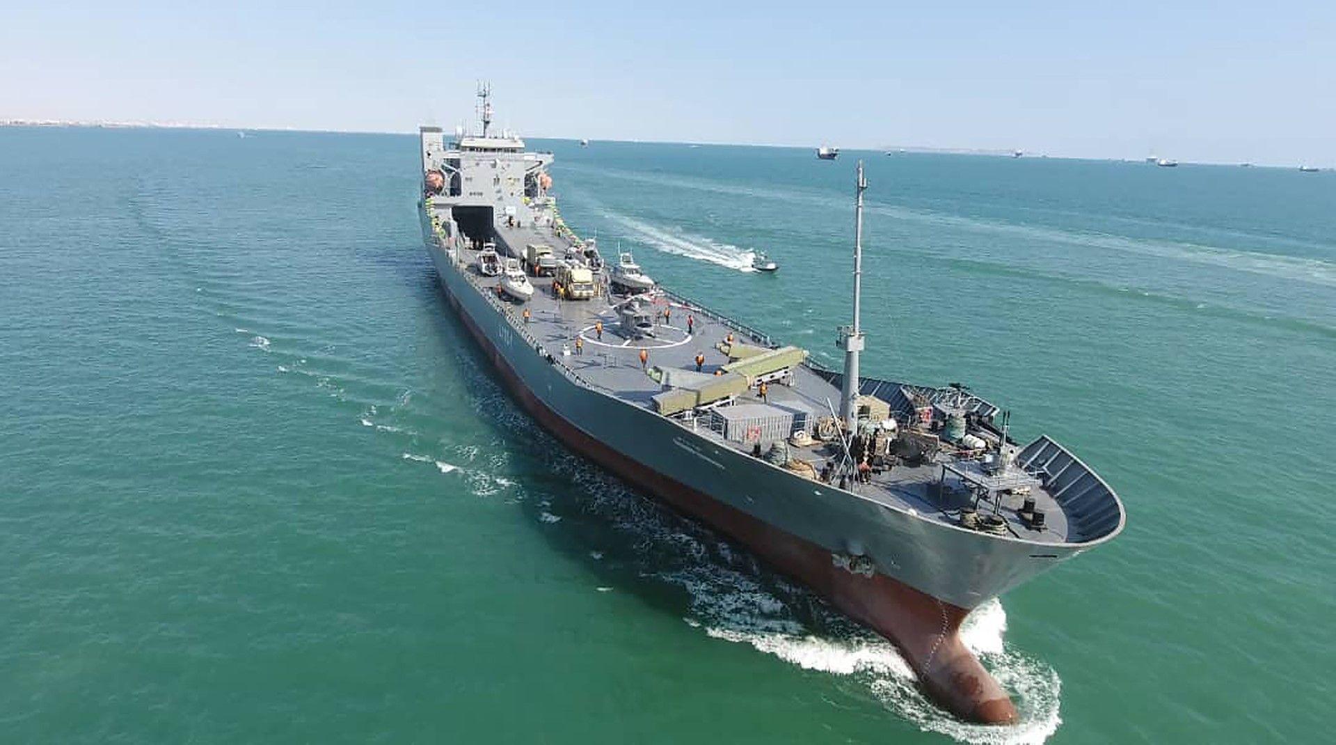 Корабът е оборудван с ракетна система