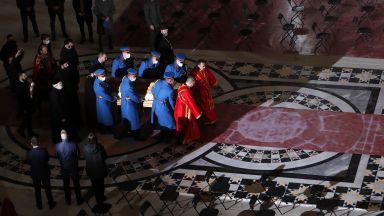 """Ковчегът с тялото на сръбския патриарх бе пренесен в храма """"Свети Сава"""" (снимки)"""