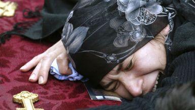 Една вековна традиция е на път да умре - жените-оплаквачки на мъртвите (видео)