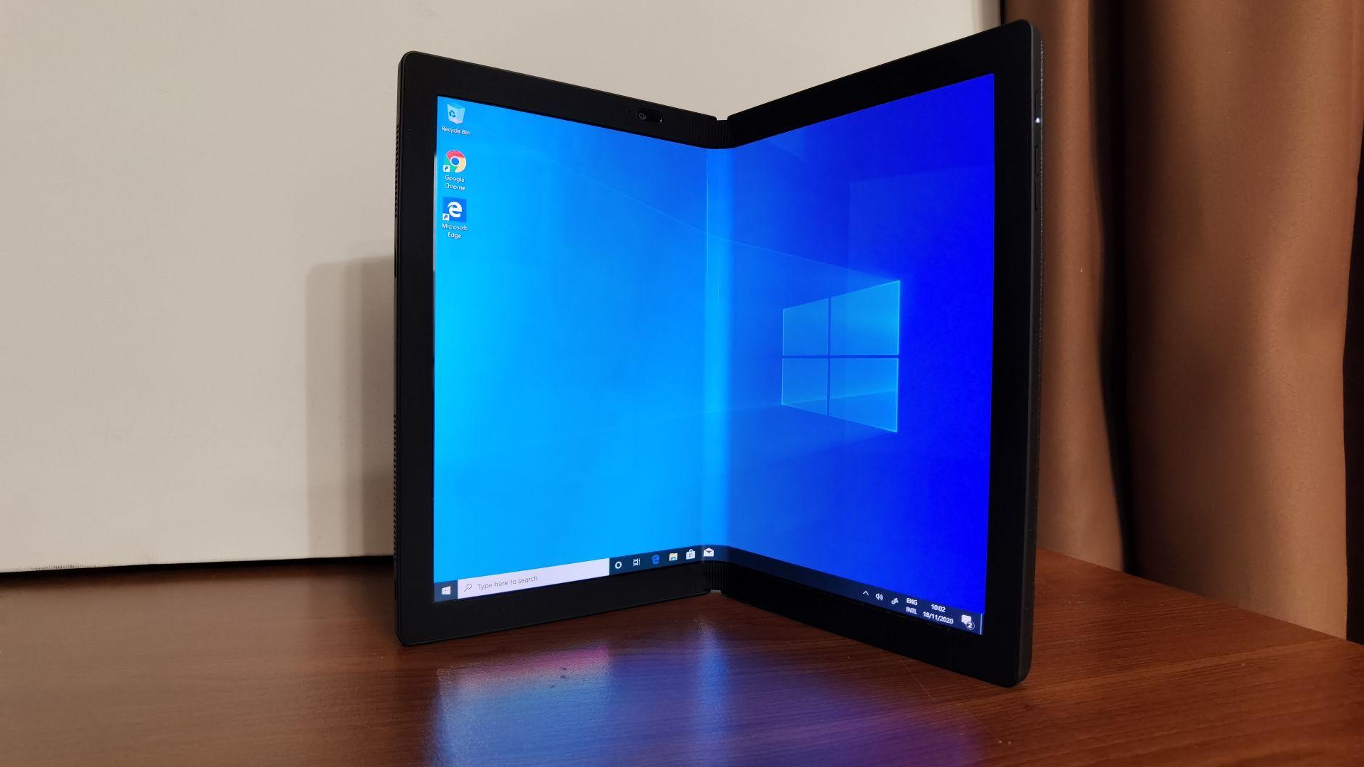 Как Lenovo ще трансформира пазара с първия лаптоп със сгъваем дисплей