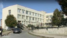 Адвокат, хотелиери и ресторантьори помагат на медиците от първа линия в Поморие