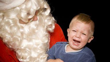 Родители разкриват най-неловките коледни ситуации с децата си